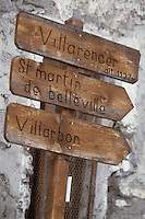 Europe/France/Rhone-Alpes/73/Savoie/Saint-Martin-de-Belleville: Panneau fléchant les chemins de randonnée des 22 hameaux faisant partie de la commune