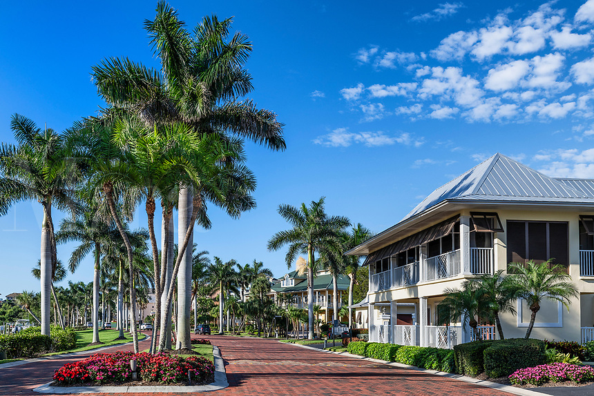 Upscale vacation homes on Barefoot Beach Road, Bonita Springs, USA.