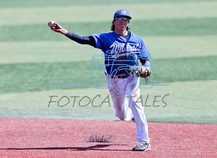 Western Nevada's Tony Roque makes a play in a college baseball game against Southern Nevada in Carson City, Nev., on Friday, March 22, 2013..Photo by Cathleen Allison