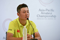 Yuxin LIN (CHN) answers questions during news conference after shooting a personal best and course record 62 during Rd 3 of the Asia-Pacific Amateur Championship, Sentosa Golf Club, Singapore. 10/6/2018.<br /> Picture: Golffile | Ken Murray<br /> <br /> <br /> All photo usage must carry mandatory copyright credit (© Golffile | Ken Murray)