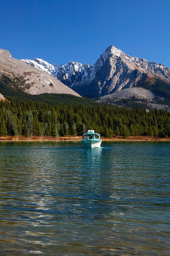 Tour boat on Maligne Lake, Jasper National Park, Alberta, Canada.