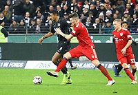 Sebastien Haller (Eintracht Frankfurt) gegen Niklas Süle (FC Bayern Muenchen) - 22.12.2018: Eintracht Frankfurt vs. FC Bayern München, Commerzbank Arena, DISCLAIMER: DFL regulations prohibit any use of photographs as image sequences and/or quasi-video.
