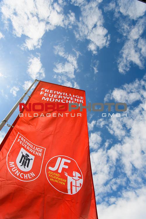 18.06.2016, Marienplatz , Muenchen, GER, impressionen zum Stadtgruendungsfest Muenchen, im Bild Stand der freiwilligen Feuerwehr Muenchen<br /> <br />  Foto &copy; nordphoto / Straubmeier