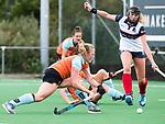 HUIZEN  -  Anouk van den Berg (Gro)  , hoofdklasse competitiewedstrijd hockey dames, Huizen-Groningen (1-1)   COPYRIGHT  KOEN SUYK