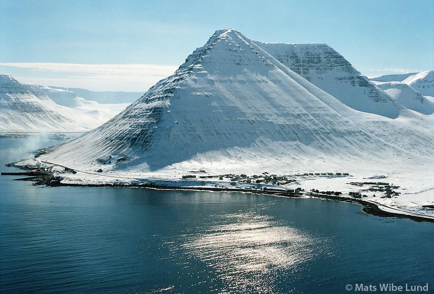 Hnífsdalur, Ísafjarðarbær séð til suðurs / Hnifasdalur viewing south, Isafjardarbaer.