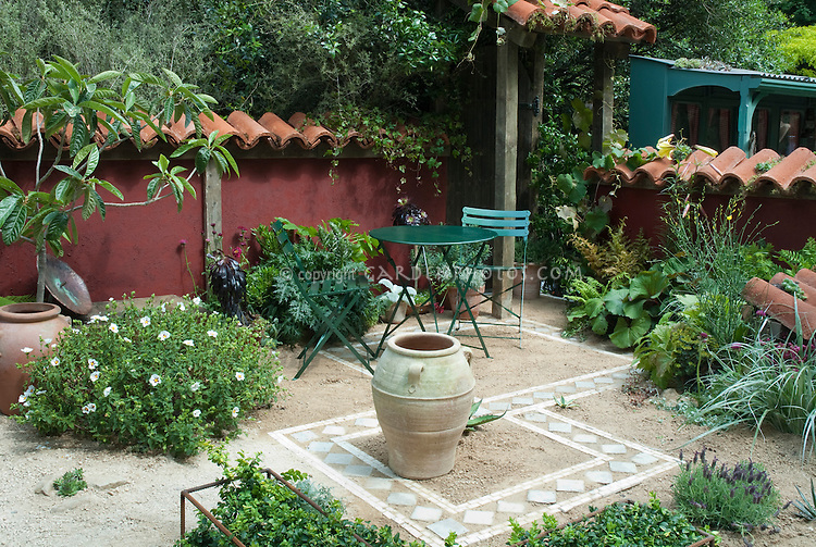 Dry Patio Garden _JAW.. · Creating An Outdoor Patio With Sand And  Tiles,.