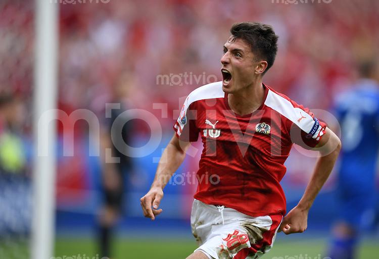 FUSSBALL EURO 2016 GRUPPE C IN PARIS Island - Oesterreich             22.06.2016 Alessandro Schoepf  (Oesterreich) jubelt nach dem Tor zum 1:1