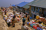 Mercado Nanche Bazaar na Cordilheira do Himalaia. Nepal. 2010. Foto de Caio Vilela.