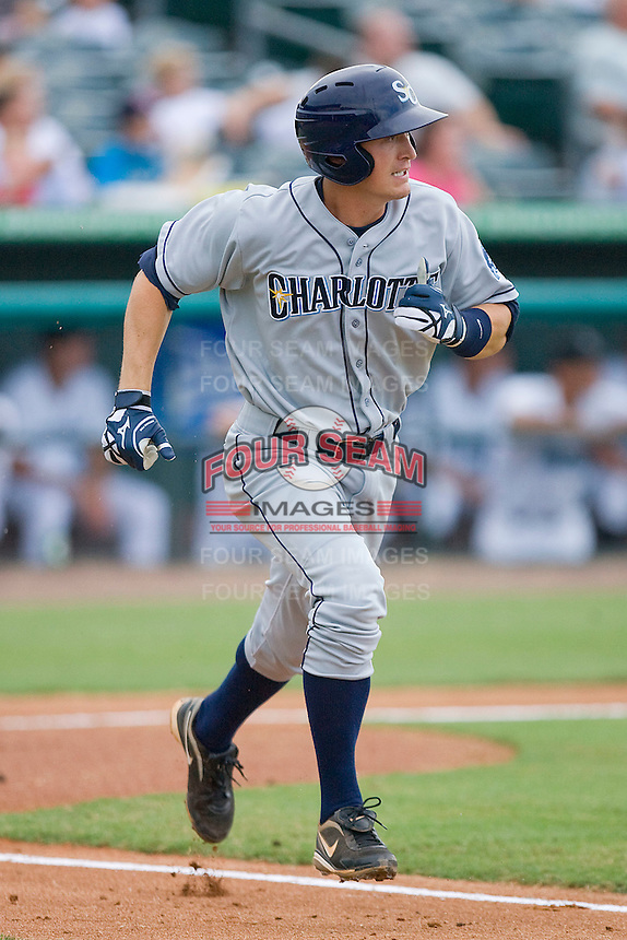 Greg Sexton #35 of the Charlotte Stone Crabs hustles down the first base line against the Jupiter Hammerheads at Roger Dean Stadium June 15, 2010, in Jupiter, Florida.  Photo by Brian Westerholt /  Seam Images