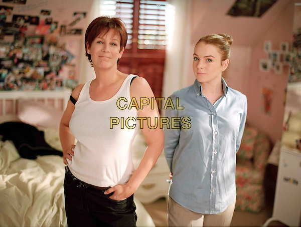 JAMIE LEE CURTIS & LINDSAY LOHAN.in Freaky Friday.Filmstill - Editorial Use Only.Ref: FB.sales@capitalpictures.com.www.capitalpictures.com.Supplied by Capital Pictures.