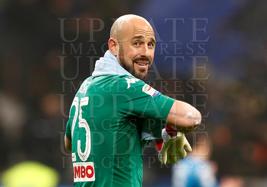 Calcio, Serie A: Inter - Napoli, Milano, stadio Giuseppe Meazza (San Siro), 11 marzo 2018.<br /> Napoli's goalkeeper Josè Manuel Reina at the end of the Italian Serie A football match between Inter Milan and Napoli at Giuseppe Meazza (San Siro) stadium, March 11, 2018.<br /> Inter Milan and Napoli drawns 0-0.<br /> UPDATE IMAGES PRESS/Isabella Bonotto