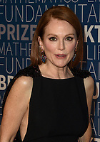 MOUNTAIN VIEW, CA - NOVEMBER 04: Julianne Moore attends the 2019 Breakthrough Prize at NASA Ames Research Center on November 4, 2018 in Mountain View, California. <br /> CAP/MPI/SPA<br /> &copy;SPA/MPI/Capital Pictures