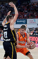 Valencia Basket Club's Justin Doellman (r) and Herbalife Gran Canaria's Spencer Nelson during Spanish Basketball King's Cup semifinal match.February 07,2013. (ALTERPHOTOS/Acero) /NortePhoto