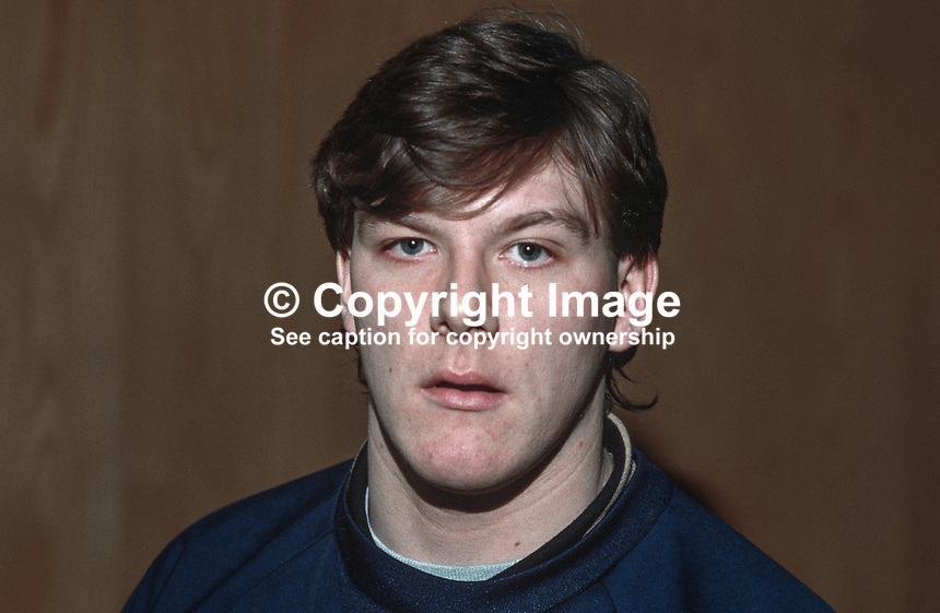 Tommy Wright, goalkeeper, Linfield FC, N Ireland, UK, 19850015TW.<br />