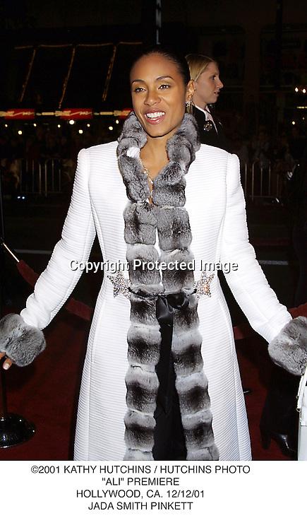 "©2001 KATHY HUTCHINS / HUTCHINS PHOTO.""ALI"" PREMIERE.HOLLYWOOD, CA. 12/12/01.JADA SMITH PINKETT"
