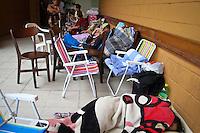 ATENÇÃO EDITOR: FOTO EMBARGADA PARA VEÍCULOS INTERNACIONAIS - SÃO PAULO,SP,10 JANEIRO 2013 - MEGALIQUIDAÇÃO MAGAZINE LUIZA - Movimentação na loja Magazine Luiza do Shopping Aricanduva na zona leste, nesta quinta-feira, 10. No local havera um Mega Liquidação. FOTO ALE VIANNA / BRAZIL PHOTO PRESS.