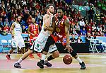 ****BETALBILD**** <br /> Uppsala 2015-04-24 Basket SM-Final 3 Uppsala Basket - S&ouml;dert&auml;lje Kings :  <br /> Uppsalas Dwight Anthony Burke i kamp om bollen med S&ouml;dert&auml;lje Kings Christopher Czerapowicz under matchen mellan Uppsala Basket och S&ouml;dert&auml;lje Kings <br /> (Foto: Kenta J&ouml;nsson) Nyckelord:  Basket Basketligan SM SM-final Final Fyrishov Uppsala S&ouml;dert&auml;lje Kings SBBK
