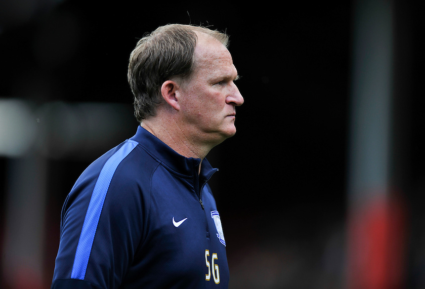 Preston North End manager Simon Grayson dejected after the 2-1 defeat<br /> <br /> Photographer Ashley Western/CameraSport<br /> <br /> Football - The Football League Sky Bet Championship - Brentford v Preston North End - Saturday 19th September 2015 - Griffin Park - London<br /> <br /> &copy; CameraSport - 43 Linden Ave. Countesthorpe. Leicester. England. LE8 5PG - Tel: +44 (0) 116 277 4147 - admin@camerasport.com - www.camerasport.com