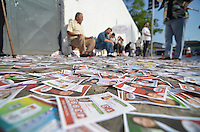 ATENÇÃO EDITOR: FOTO EMBARGADA PARA VEÍCULOS INTERNACIONAIS - SÃO BERNARDO DO CAMPO, SP, 07 DE OUTUBRO DE 2012 – ELEIÇÕES 2012 - Movimentação na escola E.E. Dr. João Firmino Correia de Arcanjo em São Bernardo do Campo na manhã deste domingo, onde o ex presidente Lula irá votar. (FOTO: LEVI BIANCO / BRAZIL PHOTO PRESS)