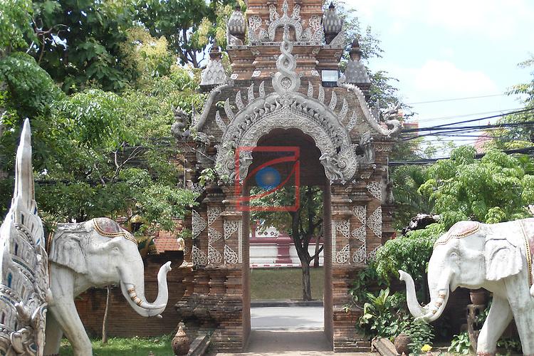 Thailand Tour.<br /> Wat Lok Molee, Chiang Mai.