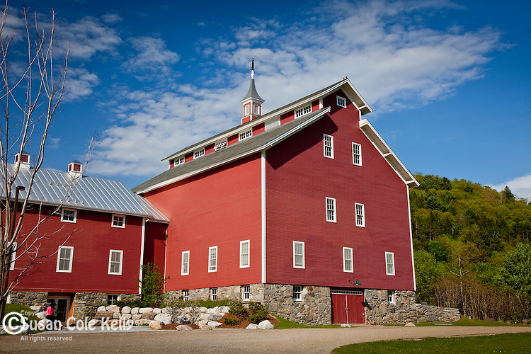 A restored Monitor barn in Richmond, VT, USA