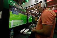 SAO PAULO,SP, 12.10.2018 - GAME-SHOW - Movimentação durante a Brasil Game Show no Expo Center Norte, região norte de São Paulo nesta sexta-feira, 12.<br /> <br /> (Foto: Fabricio Bomjardim / Brazil Photo Press)