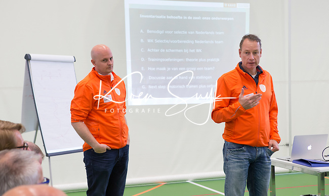 AMSTERDAM - E-hockey bondscoach Paul Mennink met assistent coach E-hockey, Koen Kasper. KNHB Symposium Train de Trainer, voor trainer, coach , begeleider binnen het aangepaste hockey. Dit alles in het Ronald MacDonald Centre in Amsterdam. COPYRIGHT KOEN SUYK
