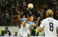 Sebastien Haller (Eintracht Frankfurt) gegen Lucas Leiva (Lazio Rom) - 04.10.2018: Eintracht Frankfurt vs. Lazio Rom, UEFA Europa League 2. Spieltag, Commerzbank Arena, DISCLAIMER: DFL regulations prohibit any use of photographs as image sequences and/or quasi-video.