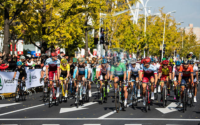 The start of the 2018 Shanghai Criterium, Shanghai, China. 17th November 2018.<br /> Picture: ASO/Alex Broadway | Cyclefile<br /> <br /> <br /> All photos usage must carry mandatory copyright credit (&copy; Cyclefile | ASO/Alex Broadway)
