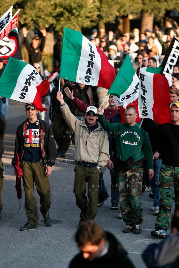 Manifestazione dei tifosi di calcio contro le leggi anti violenza