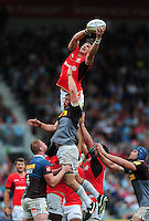 Michael Rhodes of Saracens rises high to win lineout ball. Aviva Premiership match, between Harlequins and Saracens on September 24, 2016 at the Twickenham Stoop in London, England. Photo by: Patrick Khachfe / JMP