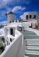 Windmühle in Oia, Insel Santorin (Santorini), Griechenland, Europa