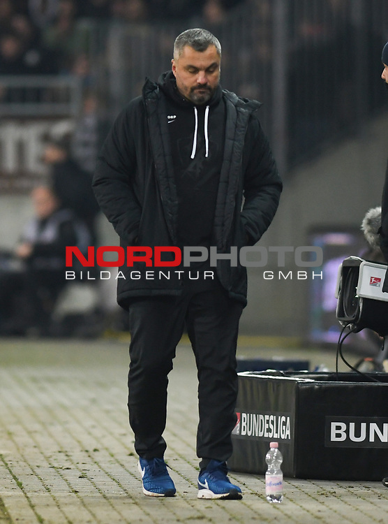08.11.2019,  GER; 2. FBL, FC St. Pauli vs VfL Bochum ,DFL REGULATIONS PROHIBIT ANY USE OF PHOTOGRAPHS AS IMAGE SEQUENCES AND/OR QUASI-VIDEO, im Bild Trainer Thomas Reis (Bochum) Foto © nordphoto / Witke