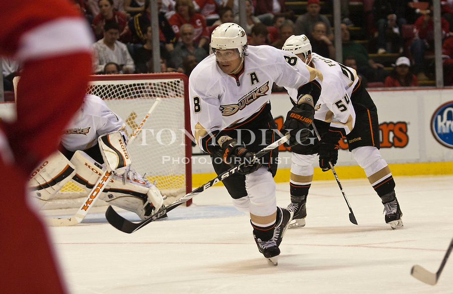 8 October 2010: Anaheim Ducks forward Teemu Selanne (8) skates in the second period of the Anaheim Ducks at Detroit Red Wings NHL hockey game, at Joe Louis Arena, in Detroit, MI...***** Editorial Use Only *****