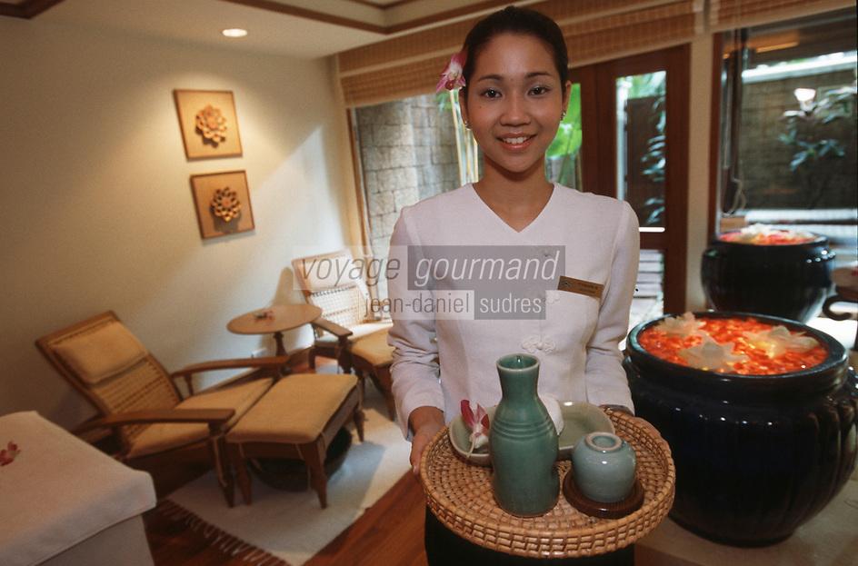 Thailande/Bangkok: Jeune masseuse du Spa de l'Hotel Mariott