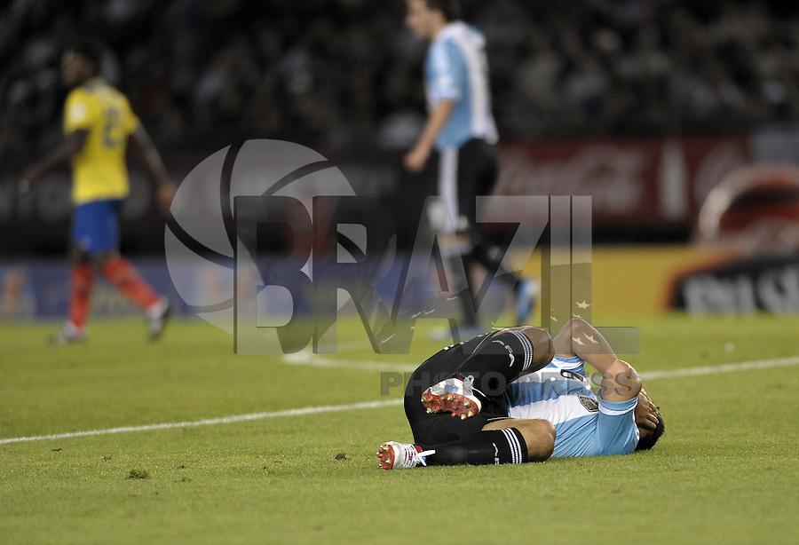 BUENOS AIRES, ARGENTINA, 02 DE JUNHO 2012 - ELIMINATORIAS SULAMERICANAS - ARGENTINA X EQUADOR - Aguero da Argentina, durante partida diante do Equador, durante partida válida pelas Eliminatórias sul-americanas para a Copa de 2014, no Estádio Monumental de Núñez, em Buenos Aires, neste sábado. A seleção argentina venceu por 4 a 0.  (FOTO: JUANI RONCORONI / BRAZIL PHOTO PRESS).