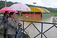 JUATUBA / MINAS GERAIS / BRASIL (08.01.2012) - Com a cheia do ribeirao Serra Azul, a cidade de Juatuba, interior de Minas Gerais, volta a ficar alagada em alguns pontos. Foto: Douglas Magno / News Free