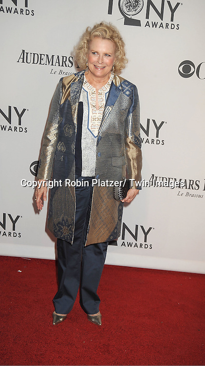 Candice Bergen attends th 66th Annual Tony Awards on June 10, 2012 at The Beacon Theatre in New York City.