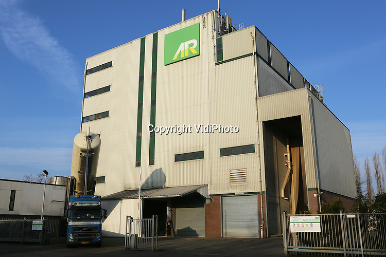 Foto: VidiPhoto<br /> <br /> DIDAM - De veevoederfabriek van AgruniekRijnvallei (AR) in Didam