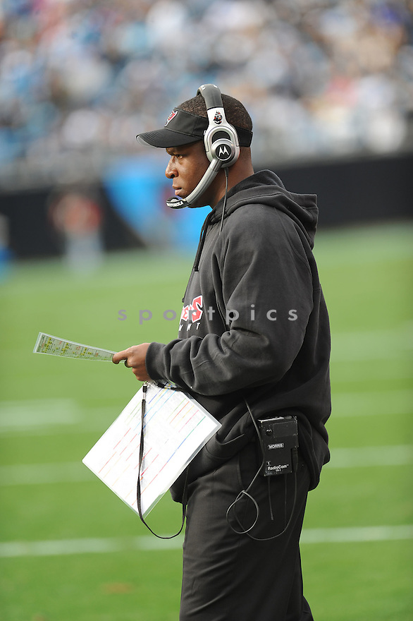RAHEEM MORRIS of the Tampa Bay Buccaneers in action during the Buccaneers game against the Carolina Panthers on December 6, 2009 in Charlotte, North Carolina. Panthers won 16-6...