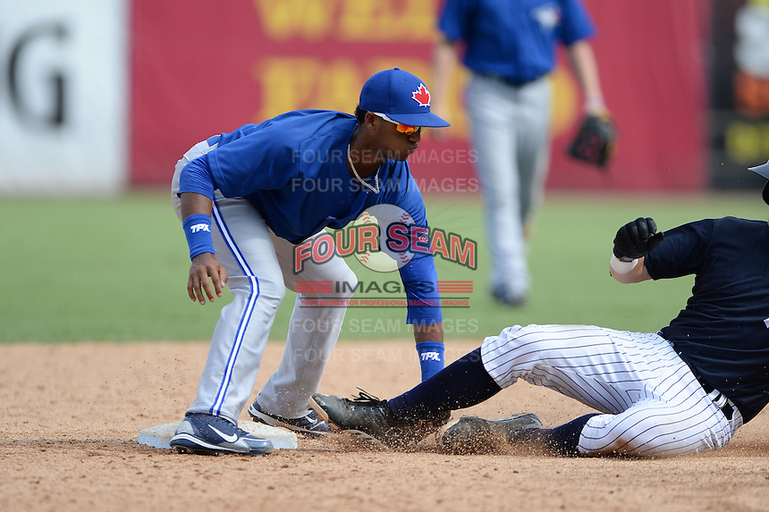 Toronto Blue Jays shortstop Richard Urena (8) during an Instructional League game against the New York Yankees on September 24, 2014 at George M. Steinbrenner Field in Tampa, Florida.  (Mike Janes/Four Seam Images)