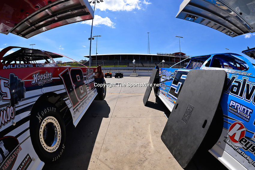 Jun 5, 2014; 3:13:26 PM; Rossburg, OH., USA; The 20th annual Dirt Late Model Dream XX in an expanded format for Eldora's $100,000-to-win race includes two nights of double features, 567 laps of action  Mandatory Credit:(thesportswire.net)