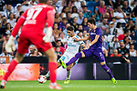 Achraf Hakimi (l) of Real Madrid competes for the ball with Rafik Zekhnini of ACF Fiorentina during the Santiago Bernabeu Trophy 2017 match between Real Madrid and ACF Fiorentina at the Santiago Bernabeu Stadium on 23 August 2017 in Madrid, Spain. Photo by Diego Gonzalez / Power Sport Images