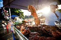 Belo Horizonte_MG, Brasil.. .Barraca de pernil na chapa na feira da avenida Atlantida no bairro Castelo...at the fair on Atlantic Avenue in Castelo avenue in Belo Horizonte, Minas Gerais...Foto: NIDIN SANCHES / NITRO