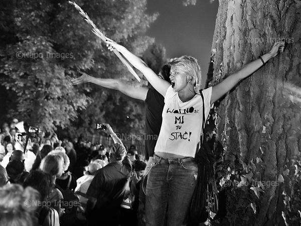 Warsaw July 21, 2017 Poland<br /> People shout slogans during a protest against supreme court legislation outside the Parliament in Warsaw.<br /> Photo: Adam Lach / Napo Images<br /> <br /> Warszawa, Protest przed Senatem w obronie sadu najwyzszego. Tysiace ludzi zebranych pod oknami senatu, manifestowalo przeciwko wprowadzanej uchwaly wsp sadu najwyzszego.<br /> Fot: Adam Lach / Napo Images