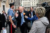 Sandro Bondi<br /> Roma 30-09-2013 Piazza Montecitorio. Deputati e senatori del PDL arrivano alla Camera per una riunione del gruppo dei parlamentari del Pdl.<br /> Photo Samantha Zucchi Insidefoto