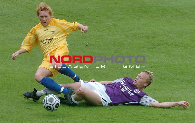 RLN 2005/2006 -37 . Spieltag - RŁckrunde<br />  VFL Osnabrueck vs.Kickers Emden<br /> <br /> Michael KŁgler gegen Ferhat Cerci<br /> <br /> <br /> <br /> Foto &copy; nordphoto <br /> <br /> <br /> <br />  *** Local Caption *** Foto ist honorarpflichtig! zzgl. gesetzl. MwSt.<br /> <br />  Belegexemplar erforderlich<br /> <br /> Adresse: nordphoto<br /> <br /> Georg-Reinke-Strasse 1<br /> <br /> 49377 Vechta