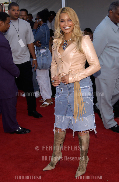 Singer BLU CANTRELL at the 7th Annual Soul Train Lady of Soul Awards in Santa Monica, California. .28AUG2001.  © Paul Smith/Featureflash