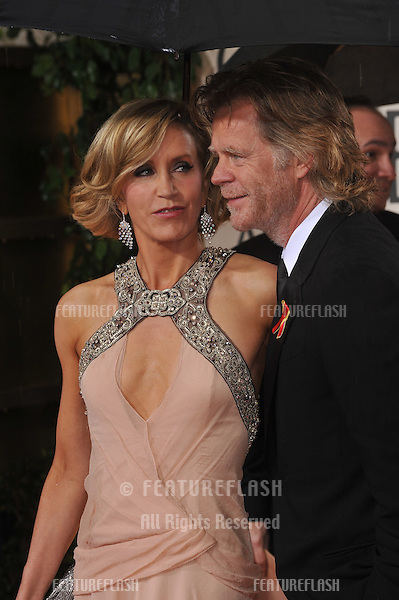 Felicity Huffman & William H. Macy at the 67th Golden Globe Awards at the Beverly Hilton Hotel..January 17, 2010  Beverly Hills, CA.Picture: Paul Smith / Featureflash
