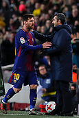 11th January 2018, Camp Nou, Barcelona, Spain; Copa del Rey football, round of 16, 2nd leg, Barcelona versus Celta Vigo; Ernesto Valverde of FC Barcelona congratulates Leo Messi of FC Barcelona as he is is substituted for Ousmane Dembélé of FC Barcelona in the 59th minute